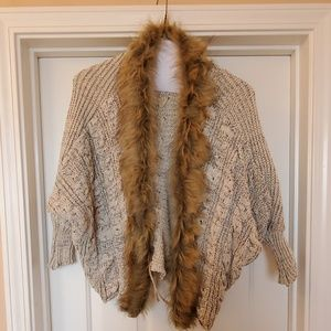 Sweaters - Faux Fur Trimmed Sweater Sz Small
